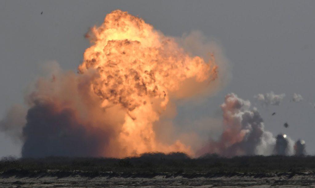 Eksplodē SpaceX Starship SN9 prototips