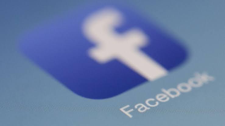 nopludināti Facebook lietotāju dati