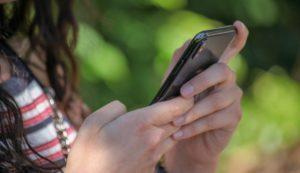 jaunieši un mobilais internets